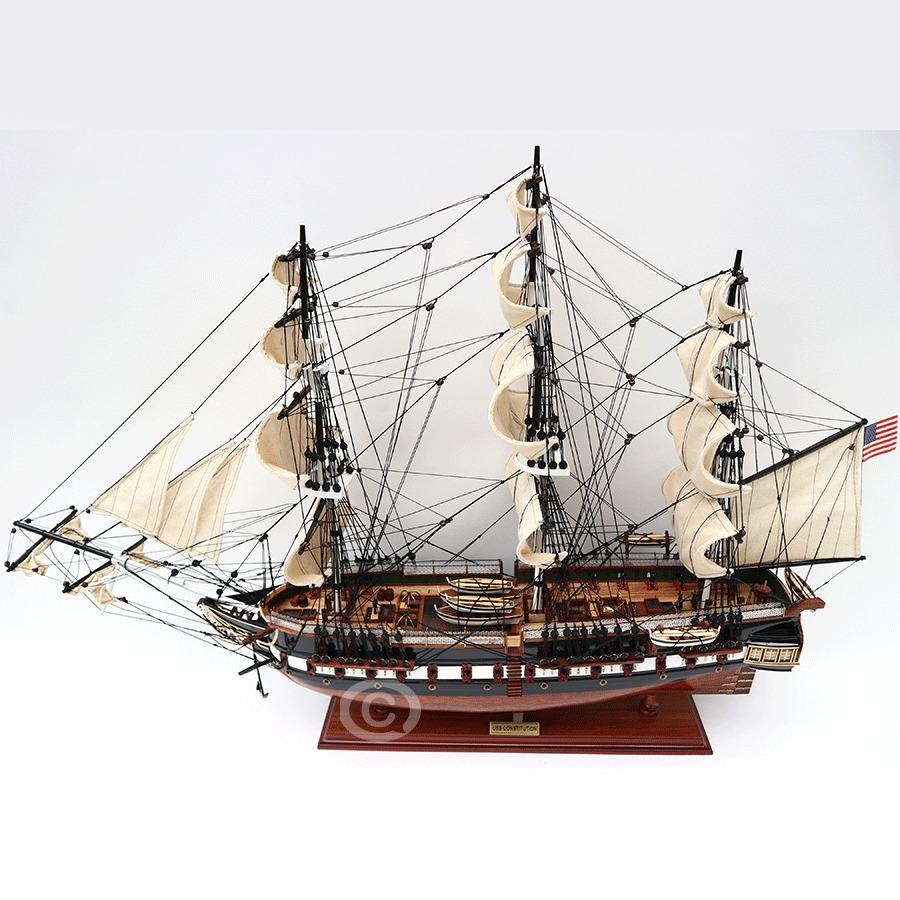 mô hình thuyền gỗ constitution painted