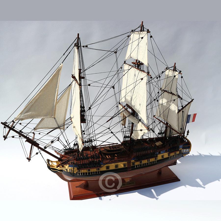 mô hình thuyền gỗ là gì