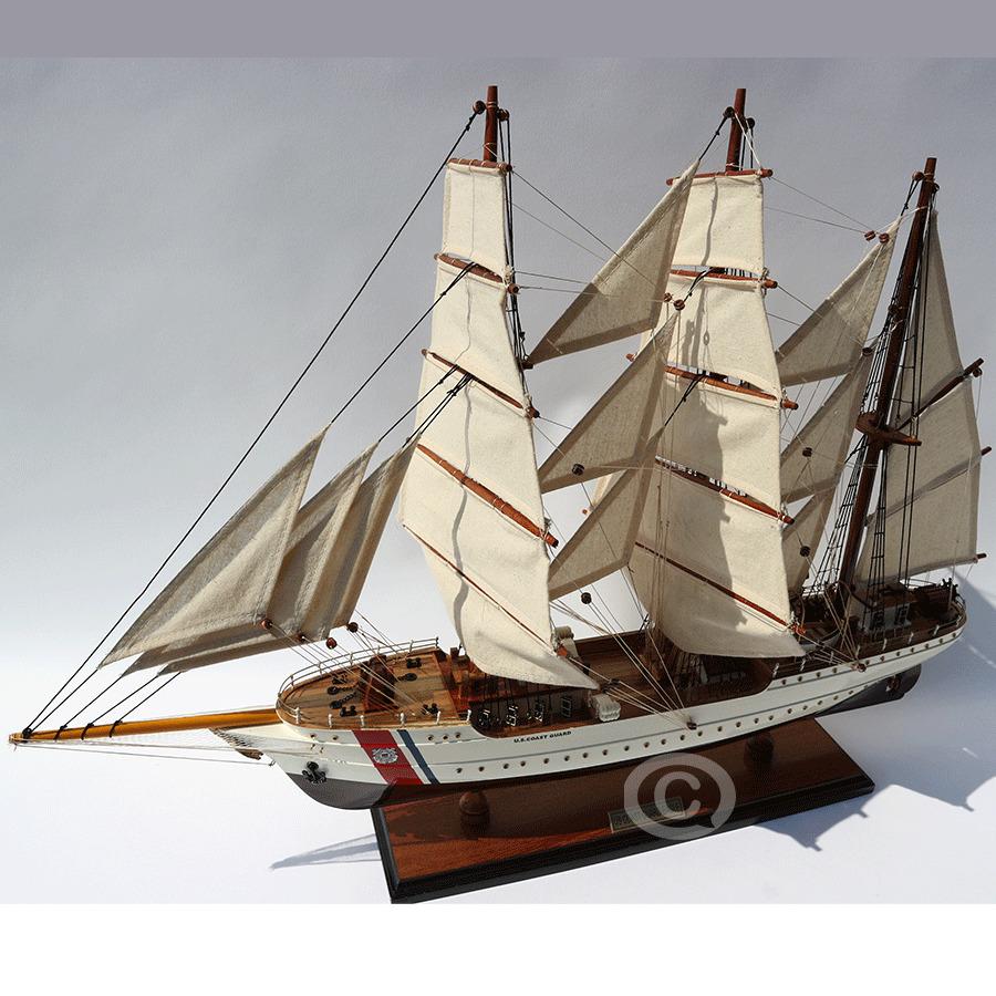 mô hình thuyền gỗ coast guard 60