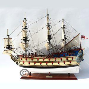 Thuyền gỗ THE UNICORN / LA LICORNE
