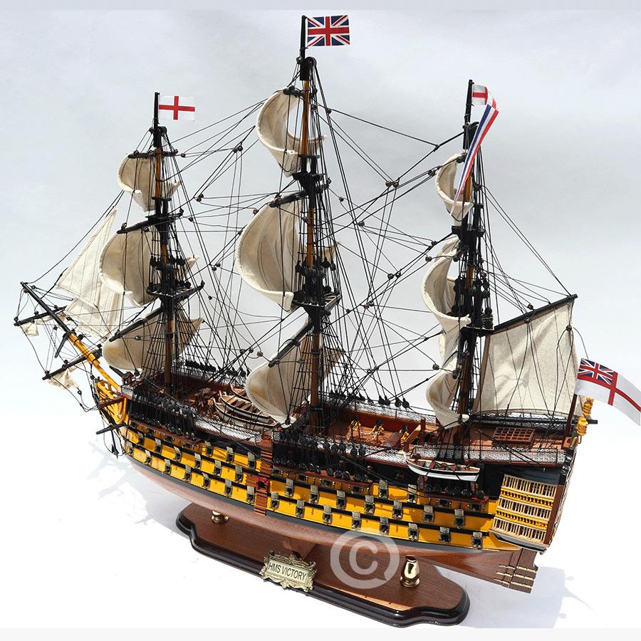 mô hình thuyền cổ victory 3