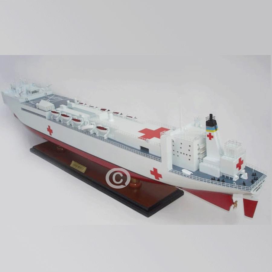 mô hình thuyền gỗ mercy