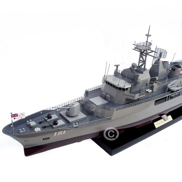 Thuyền Chiến Hmas Arunta Ffh 151