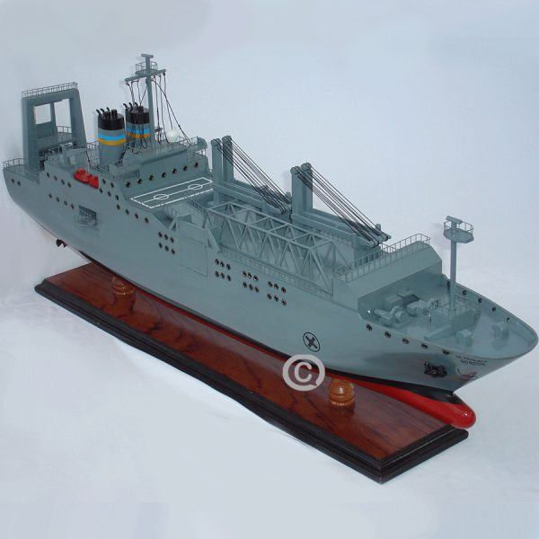 Mô Hình Thuyền Chiến Gordon