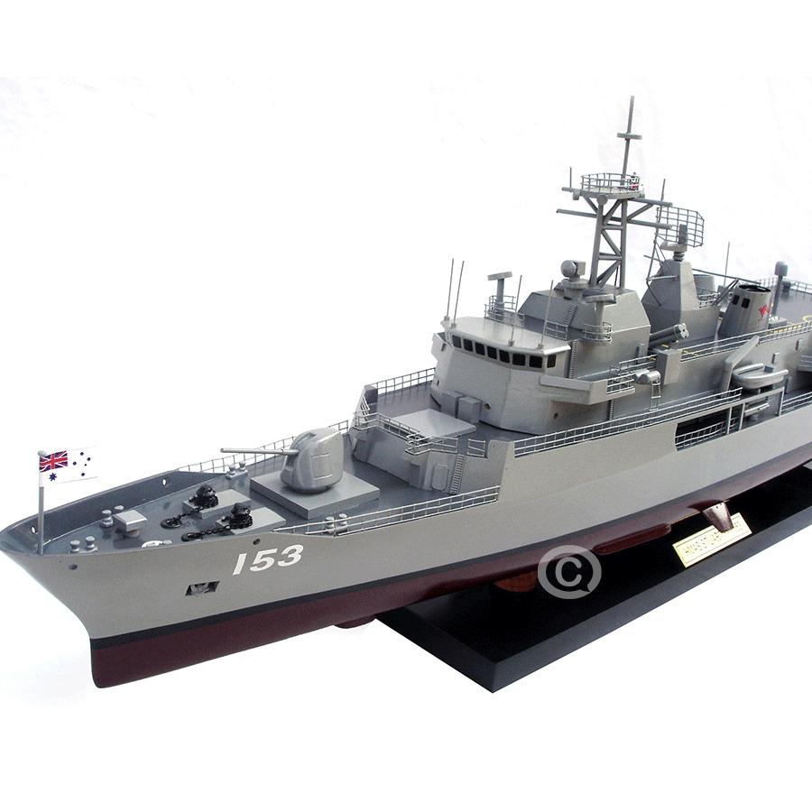 mô hình tàu chiến cao cấp cho doanh nhân thành đạt