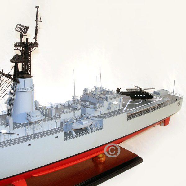 mô hình thuyền chiến uss knox
