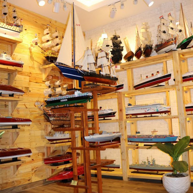 tàu thuyền mô hình gỗ sài gòn