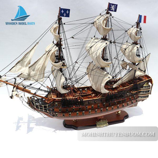 Thuyền Gỗ Royal Louis