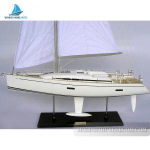 Thuyền buồm NAUTOR SWAN 60
