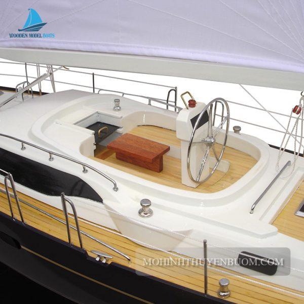 Thuyền Buồm Oyster 54