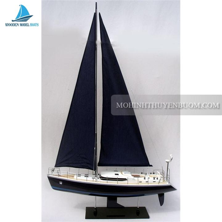 Thuyền buồm STORM 2