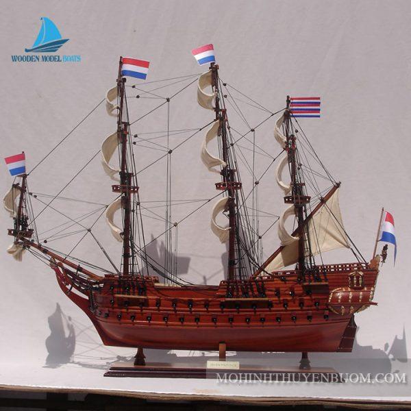 Thuyền Gỗ Zeven Provincien