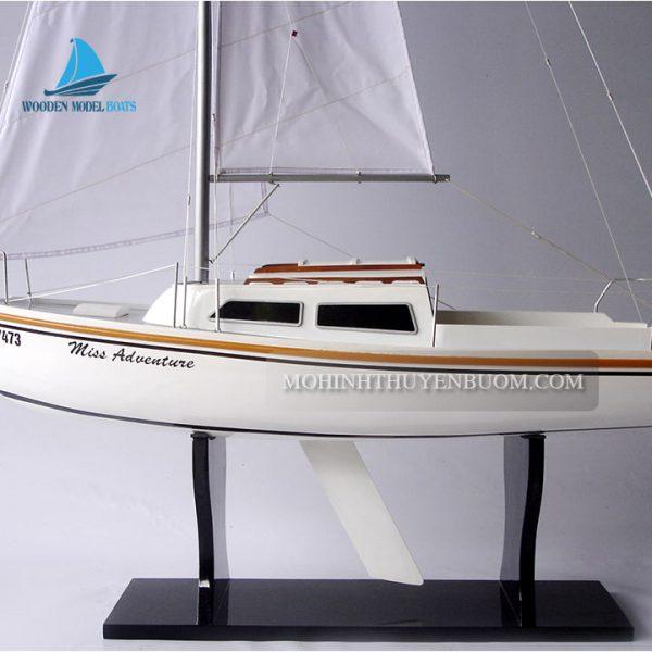 Thuyền Buồm Catalina 22 (Miss Adventure)
