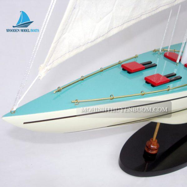 thuyền buồm courageous painted