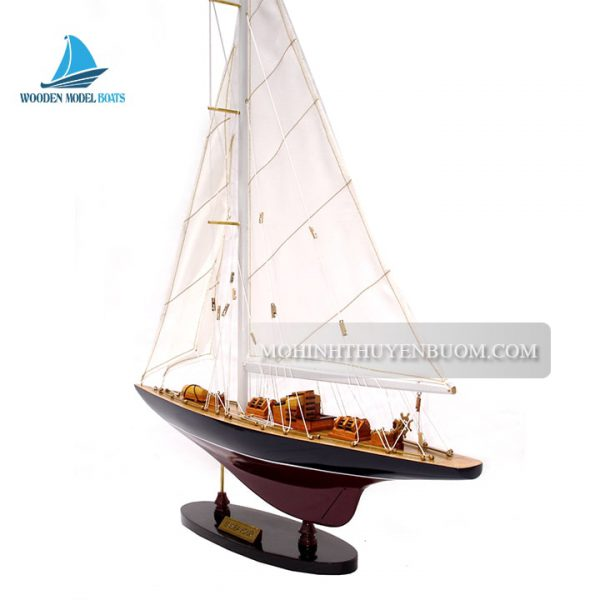 thuyền buồm endeavour painted