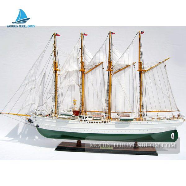 Mô Hình Thuyền Gỗ Esmeralda