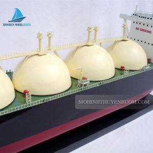 Thuyền thương mại GAS TANKER