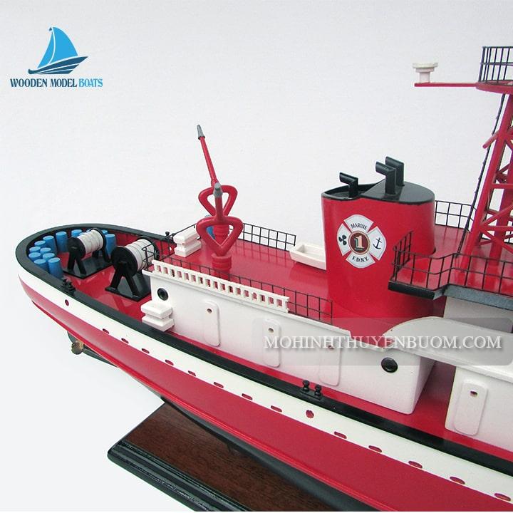 thuyền thương mại john d mc kean fire boat