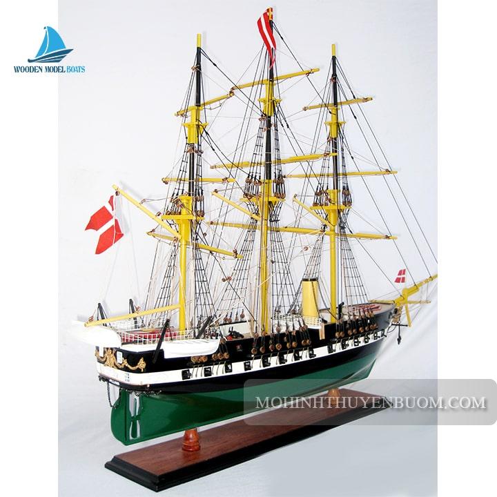 mô hình thuyền gỗ lila dan