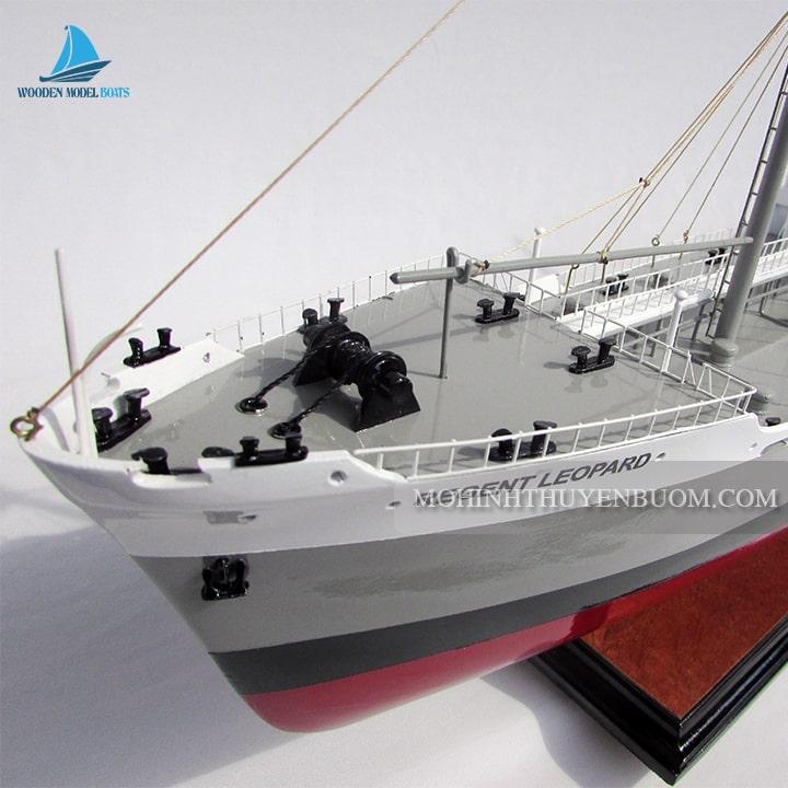 Thuyền thương mại REGENT LEOPARD