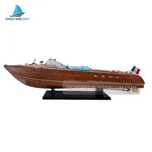 Thuyền Đua RIVA AQUARAMA