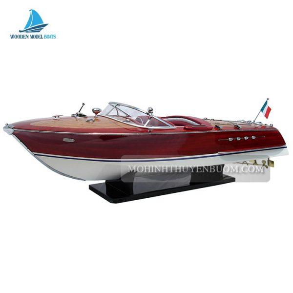 thuyền đua riva tritone