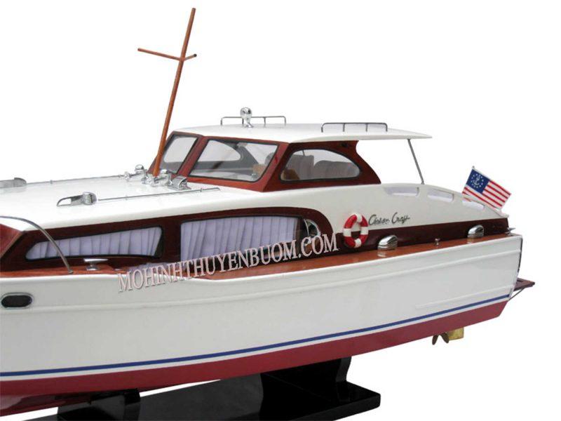 Thuyền Đua Chris Craft Cabin Cruiser