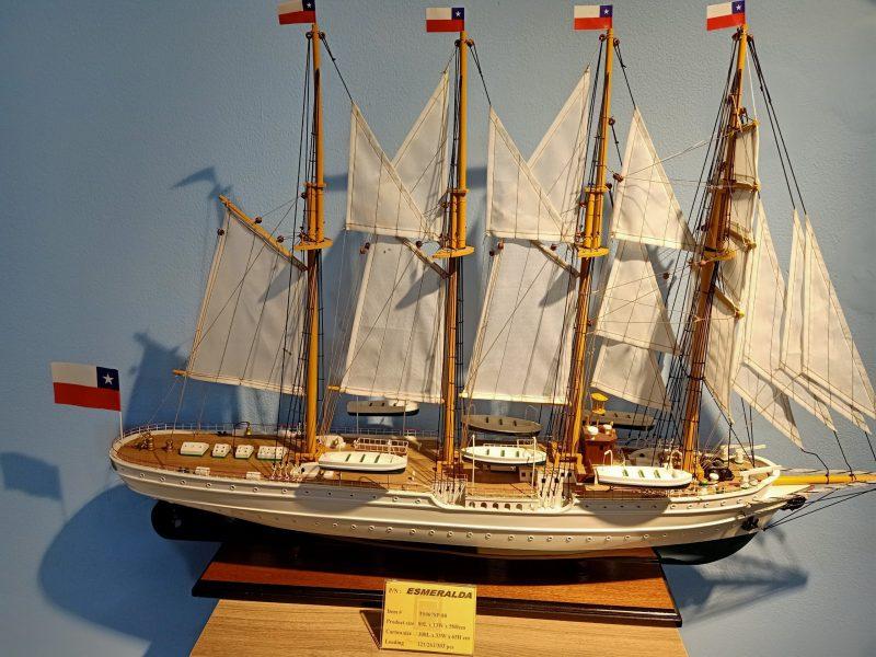 quà tặng thuyền buồm cho doanh nghiệp dịp tết 2021